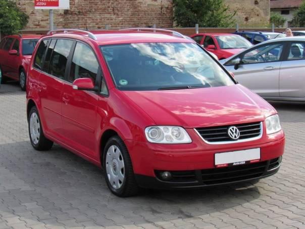 Volkswagen Touran  2.0 TDi, Serv.knih, bixenon, foto 1 Auto – moto , Automobily | spěcháto.cz - bazar, inzerce zdarma