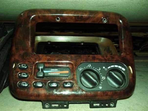 Chrysler Grand Voyager Panel klimatizace 96-2000, foto 1 Náhradní díly a příslušenství, Osobní vozy | spěcháto.cz - bazar, inzerce zdarma