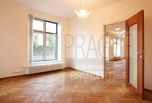 Pronájem bytu 4+kk, Praha - Bubeneč, foto 1 Reality, Byty k pronájmu | spěcháto.cz - bazar, inzerce