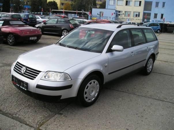 Volkswagen Passat 1,6i  KLIMA SERV. KNIHA, foto 1 Auto – moto , Automobily | spěcháto.cz - bazar, inzerce zdarma