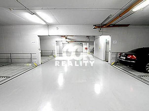 Pronájem garáže, Praha - Karlín, foto 1 Reality, Parkování, garáže | spěcháto.cz - bazar, inzerce