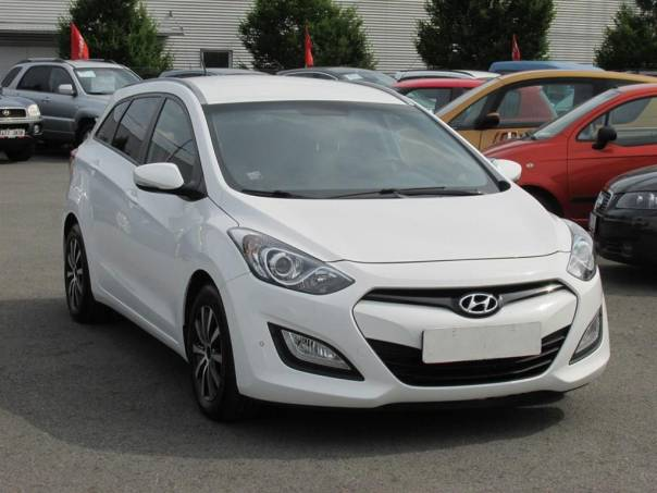 Hyundai i30  1.6 CRDi, 2.maj,Serv.kniha,ČR, foto 1 Auto – moto , Automobily | spěcháto.cz - bazar, inzerce zdarma