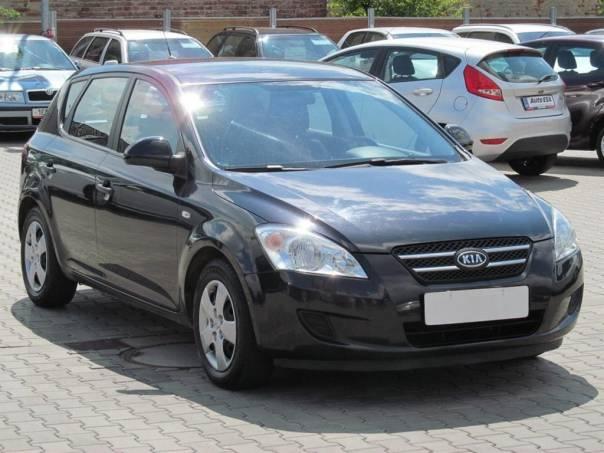 Kia Cee'd  1.6 CRDi, klimatizace, foto 1 Auto – moto , Automobily | spěcháto.cz - bazar, inzerce zdarma