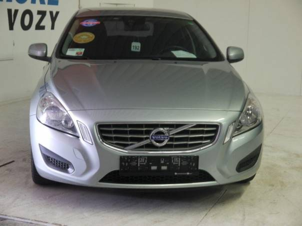Volvo V60 2,4 D5 AWD kombi/záruka, foto 1 Auto – moto , Automobily | spěcháto.cz - bazar, inzerce zdarma