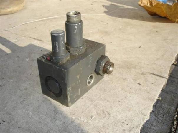hydraulický řadič, foto 1 Náhradní díly a příslušenství, Ostatní | spěcháto.cz - bazar, inzerce zdarma