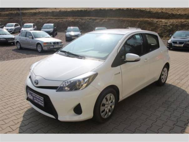 Toyota Yaris 1,5e-CVT Hybrid, foto 1 Auto – moto , Automobily | spěcháto.cz - bazar, inzerce zdarma