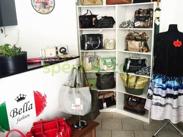 14a6281f4f6c Brigáda do obchodu s dámským oblečením