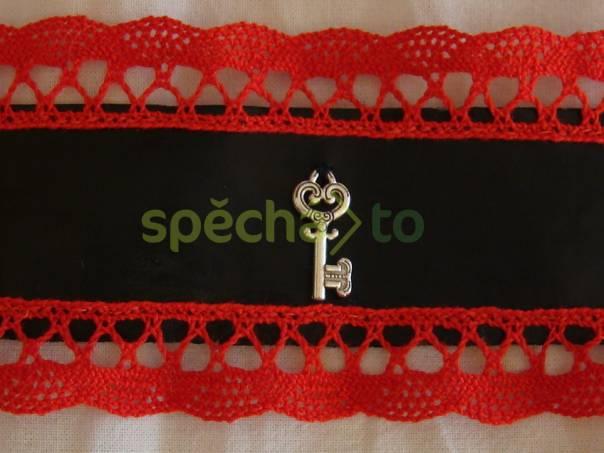 náramek s krajkou a klíčkem , foto 1 Modní doplňky, Šperky a bižuterie | spěcháto.cz - bazar, inzerce zdarma