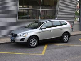 Volvo XC60 D5 AWD Momentum , Auto – moto , Automobily  | spěcháto.cz - bazar, inzerce zdarma