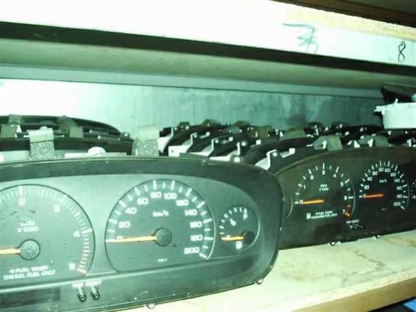 Chrysler Grand Voyager Budíky - výprodej, foto 1 Náhradní díly a příslušenství, Osobní vozy | spěcháto.cz - bazar, inzerce zdarma