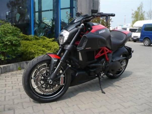 Diavel Carbon RED SKLADEM 2015, foto 1 Auto – moto , Motocykly a čtyřkolky | spěcháto.cz - bazar, inzerce zdarma