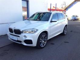 BMW X5 xDrive 30d, Mpaket, LED, Perleť, 7místná verze