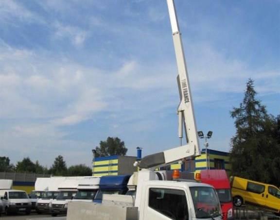 Nissan Cabstar 2.5DCi 35.11 hydr. plošina, foto 1 Užitkové a nákladní vozy, Do 7,5 t | spěcháto.cz - bazar, inzerce zdarma