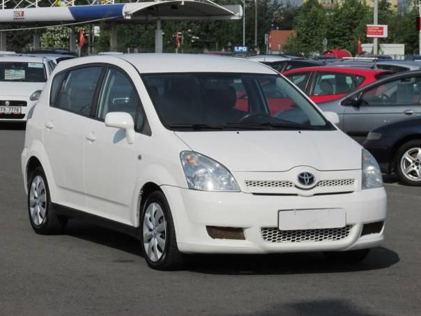 Toyota Corolla Verso  2.2 D-4D, klimatizace, foto 1 Auto – moto , Automobily | spěcháto.cz - bazar, inzerce zdarma