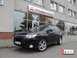 Mitsubishi Outlander 2.2 DI-D  Intense+ , Auto – moto , Automobily  | spěcháto.cz - bazar, inzerce zdarma