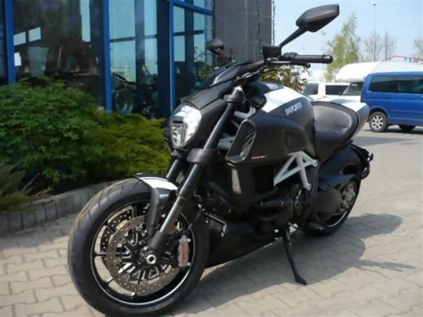Diavel Carbon WHITE SKLADEM 2014, foto 1 Auto – moto , Motocykly a čtyřkolky | spěcháto.cz - bazar, inzerce zdarma