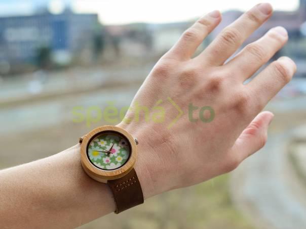 Dámské hodinky ze 100% dřeva! 8852b18b940