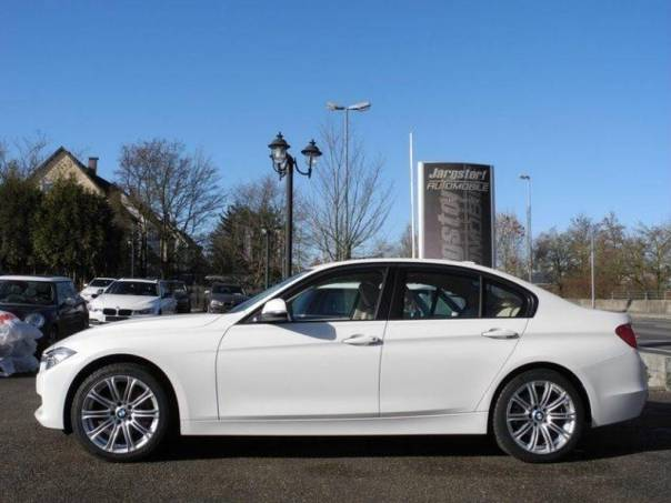 BMW Řada 3 320d Navi Xen HUP Sv.kůže, foto 1 Auto – moto , Automobily | spěcháto.cz - bazar, inzerce zdarma