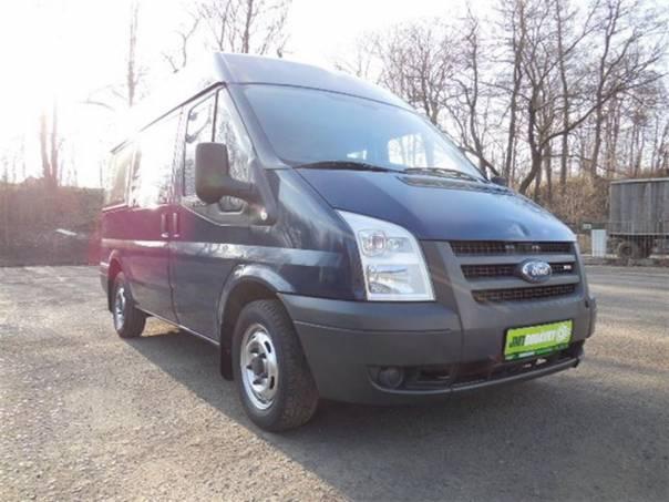 Ford Transit 2,2 63KW 6MÍST PLOŠ PRO VOZÍČK, foto 1 Užitkové a nákladní vozy, Autobusy | spěcháto.cz - bazar, inzerce zdarma