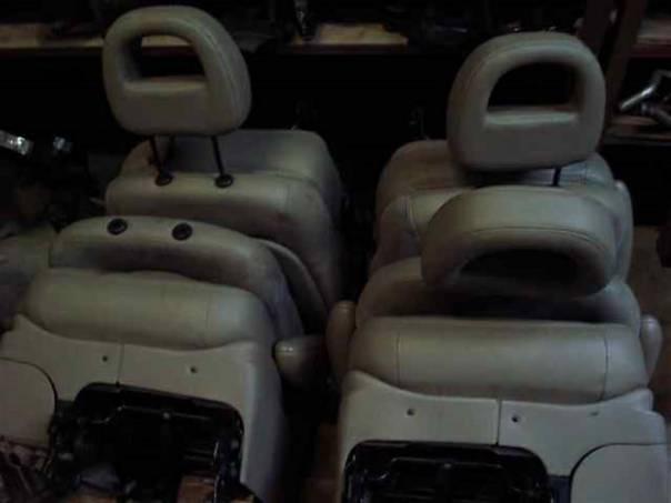 Chrysler Grand Voyager Sedadla kůže -top set, foto 1 Náhradní díly a příslušenství, Osobní vozy | spěcháto.cz - bazar, inzerce zdarma